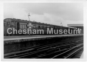 The Chesham 'Shuttle', at Chalfont and Latimer railway station, May 1961. Photo courtesy of David Harding, Three Rivers Museum, Rickmansworth. [image code: h9-44-03]