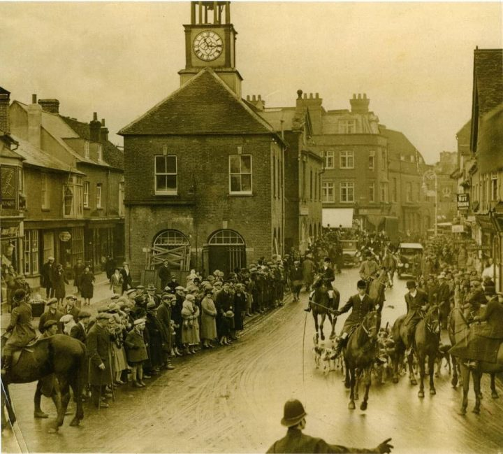 The Old Berkeley Hunt passing through Market square.